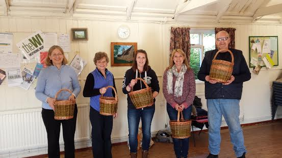 Beginners Basket Weaving for novice, small fruit picker basket