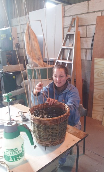 beginners basket weaving workshop at Ashmans farm Kelvedon Essex, willow