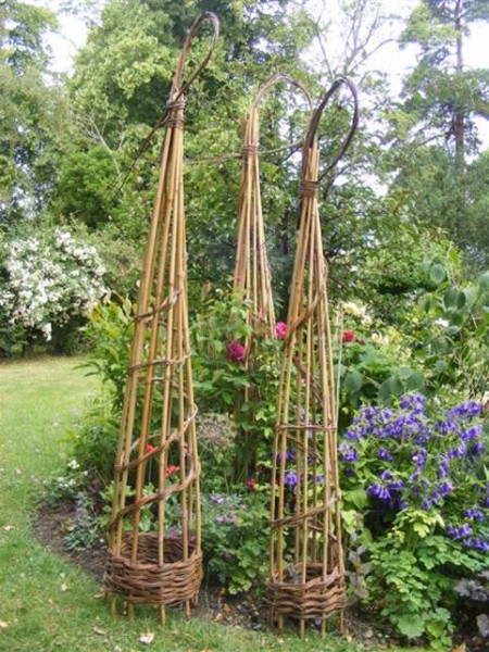 willow obelisk woven with bamboo uprights. weave in Essex.